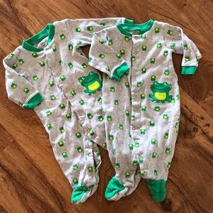Caters frog pajamas